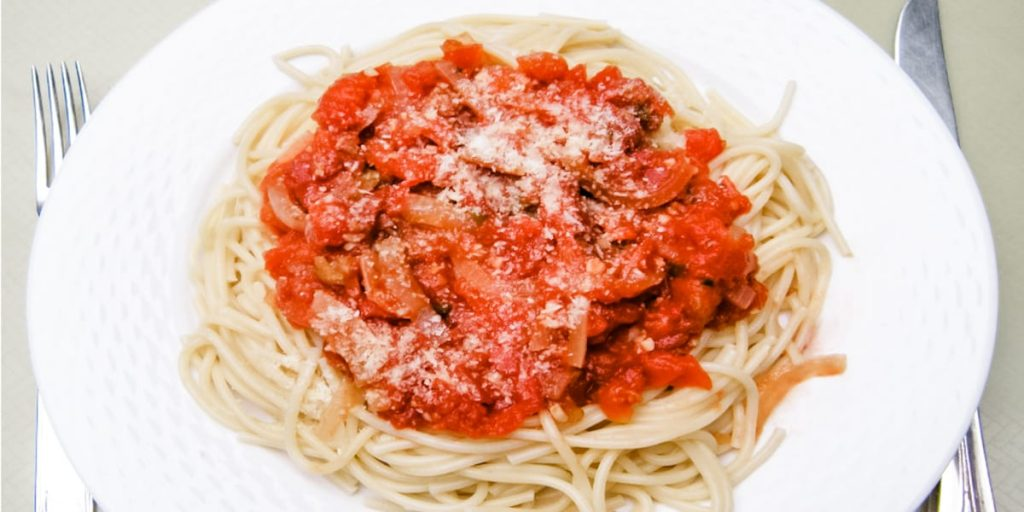 pasta tomato sauce, part of the 5 ingredient or less recipes in my box